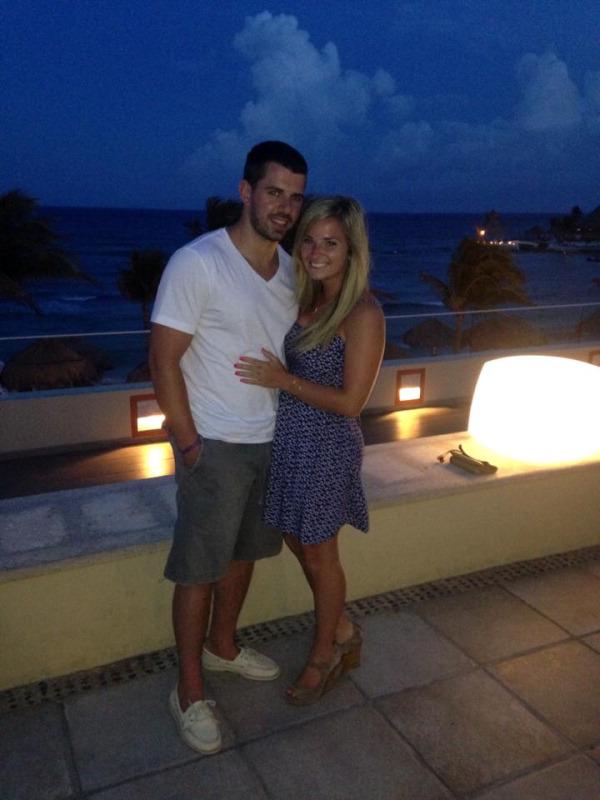 Jessica Daddario And Tom Knopps Honeymoon Registry